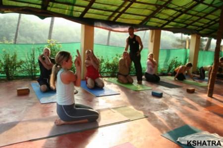 Йога при остеохондрозе шейного отдела противопоказания